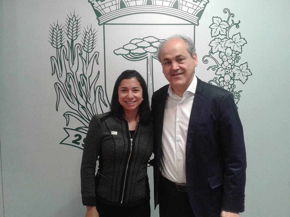 U.S. and Brazilian attorney Kessia Cericola and Curitiba's Mayor Gustavo Fruet